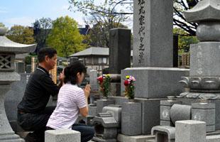 お墓参りタクシーのイメージ